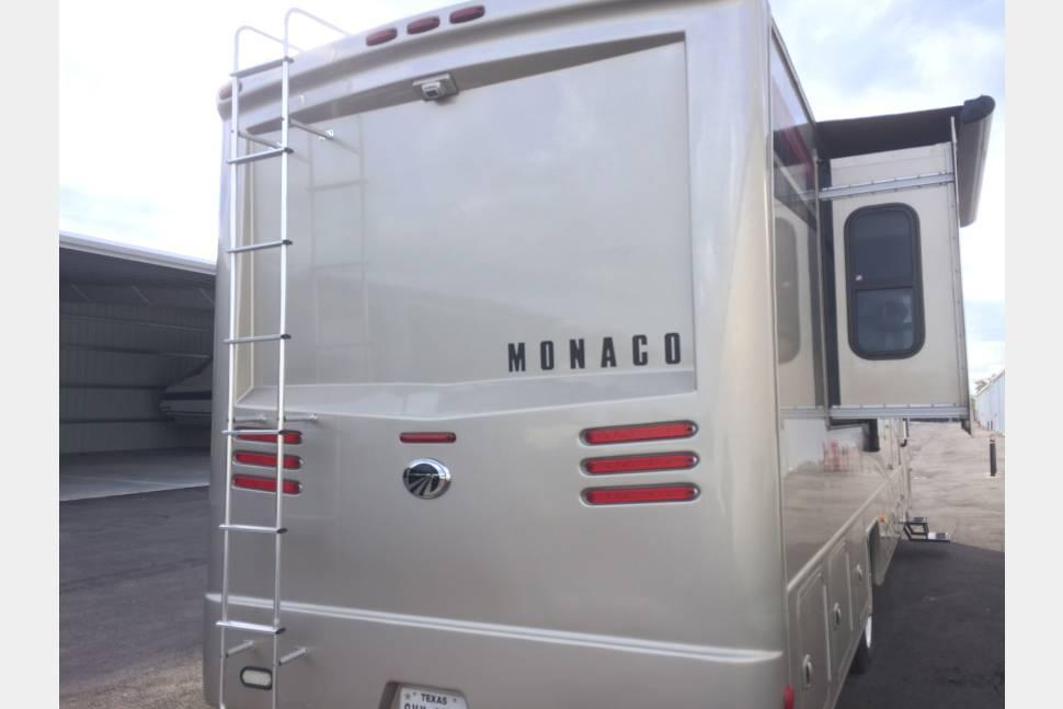 2012 Monaco LaPalma 36 DBD - The Ultimate Getaway Machine!
