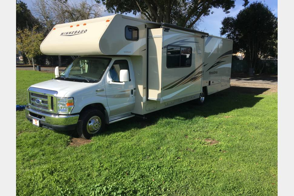 2016 Winnebago Minnie Winnie - 2016 Minnie Winnie with bunks)