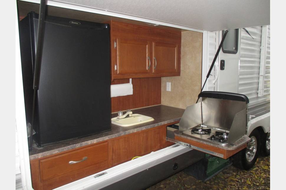 2011 Jayco Jayflight G2 32BHDS - The perfect family rv! Great for adults and kids alike!