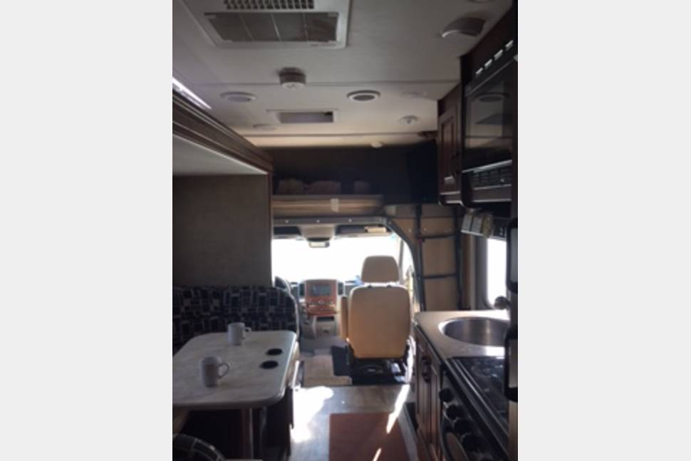 2016 Forest River Forester Sprinter Mercedes - 2016 Mercedes easy to drive
