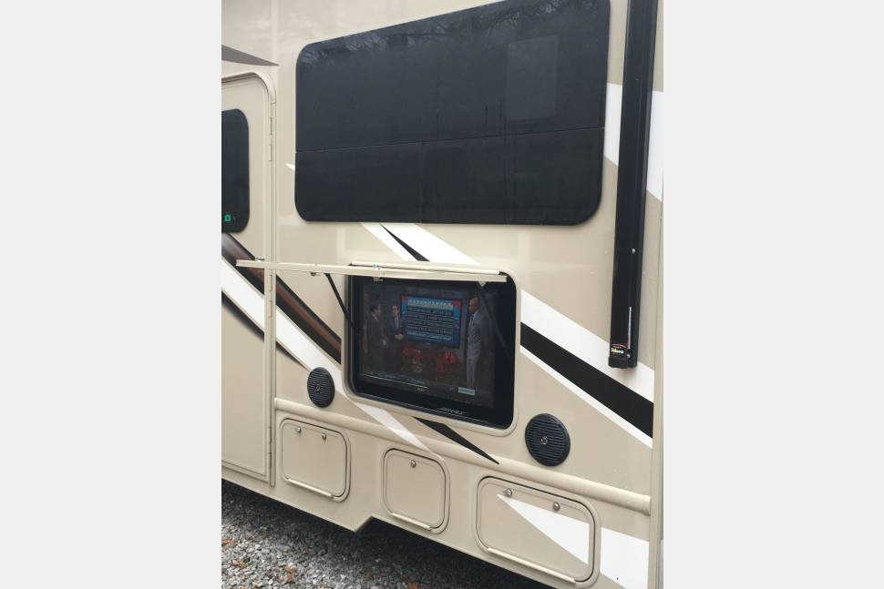2017 Thor Motor Coach Four Winds 31W - New Four Winds
