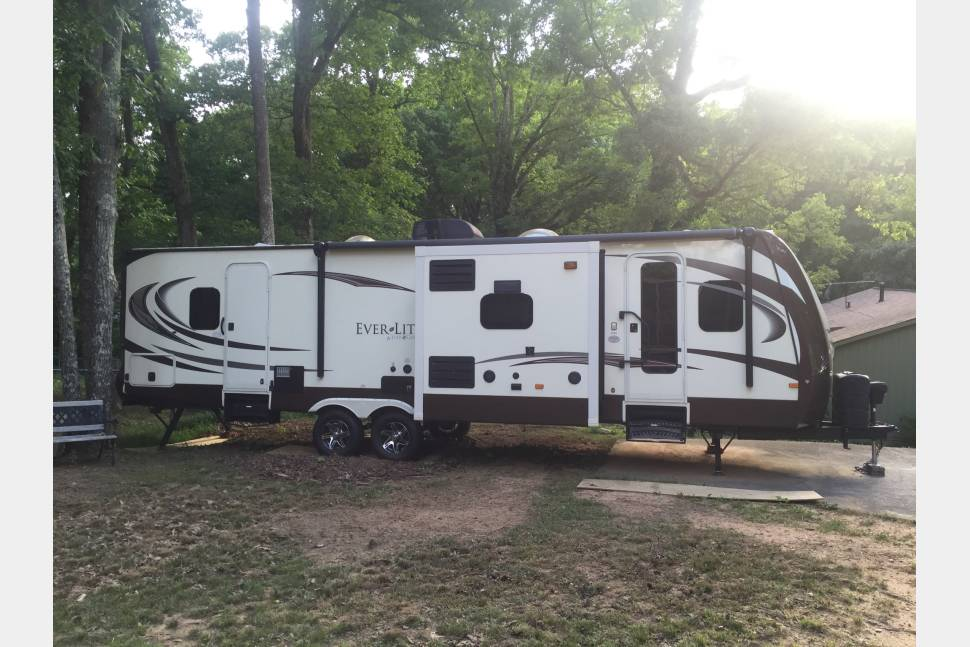 2015 Evergreen Everlite 275fl