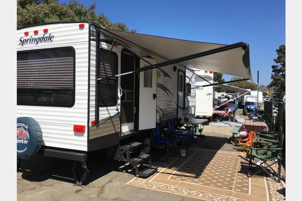 2014 Keystone Springdale - 2104 Keystone Sprindale 25ft Travel Trailer Great Family rental sleeps 6