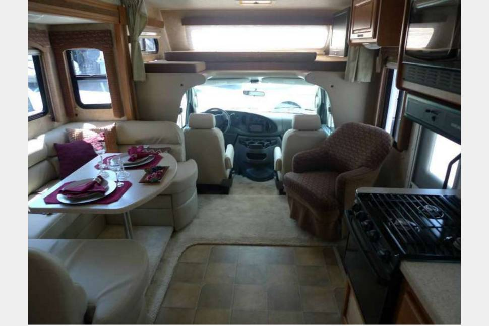 2009 Four Winds Intl. Chateau Sport 25C - 2009 Chateau Sport Class C--$6,000 FOR BURNING MAN