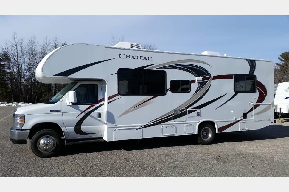 2018 Thor Chateau 28A - 2018 Thor Chateau 28A Class C RV