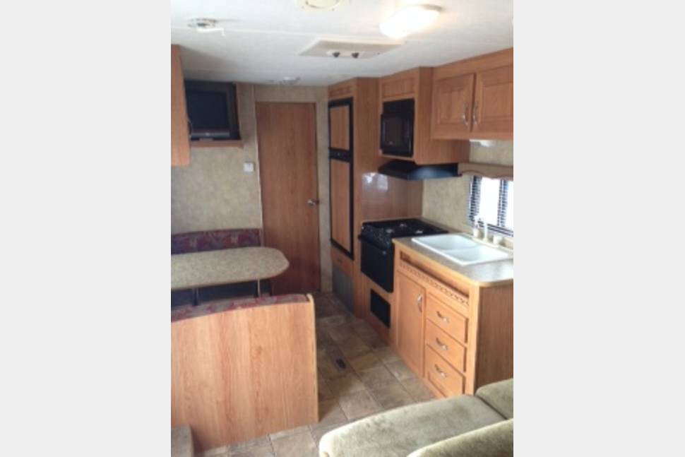 2008 JAYCO 22FB - Super Fun Trailer!