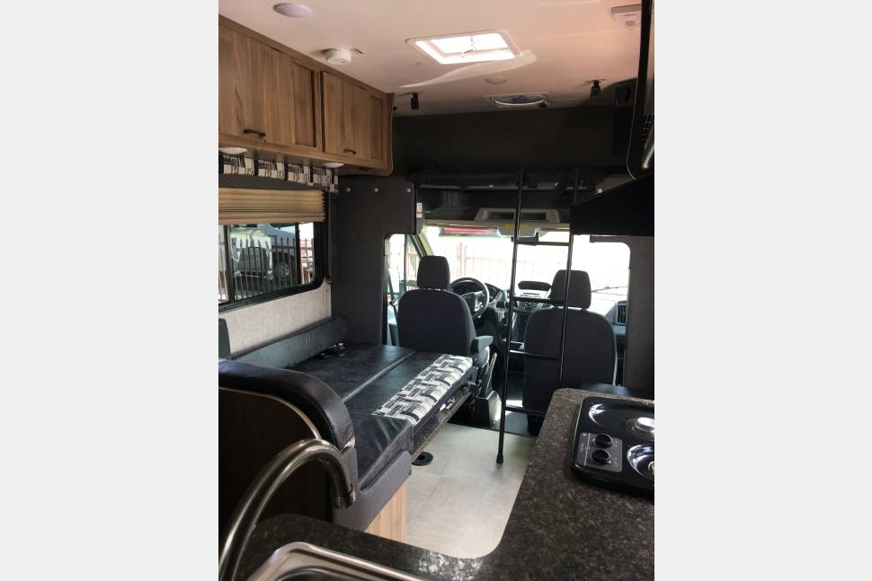 2017 **NEW RV** 23' (Sleeps 5) - Family Fun - **EASY to DRIVE & NEW** - Family Fun - Coachmen Class C - Sleeps 5 ~
