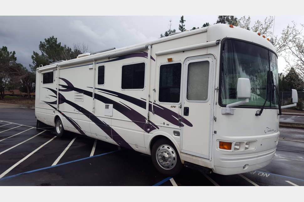 2001 National Tradewinds - LAND YACHT Unlimited daily miles & 900 mile rang / tank