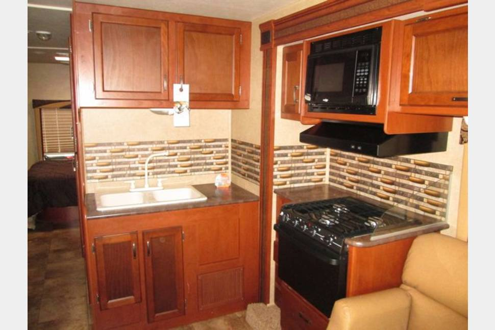2014 Jayco Redhawk 31xl - Easy to drive Bunkhouse that sleeps up to 10!