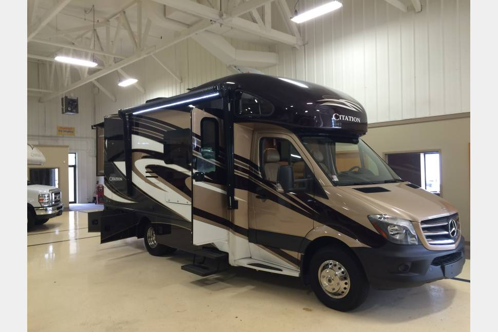2016 thor citation sprinter 24sr v6 diesel mercedes rv for Mercedes benz rv rentals