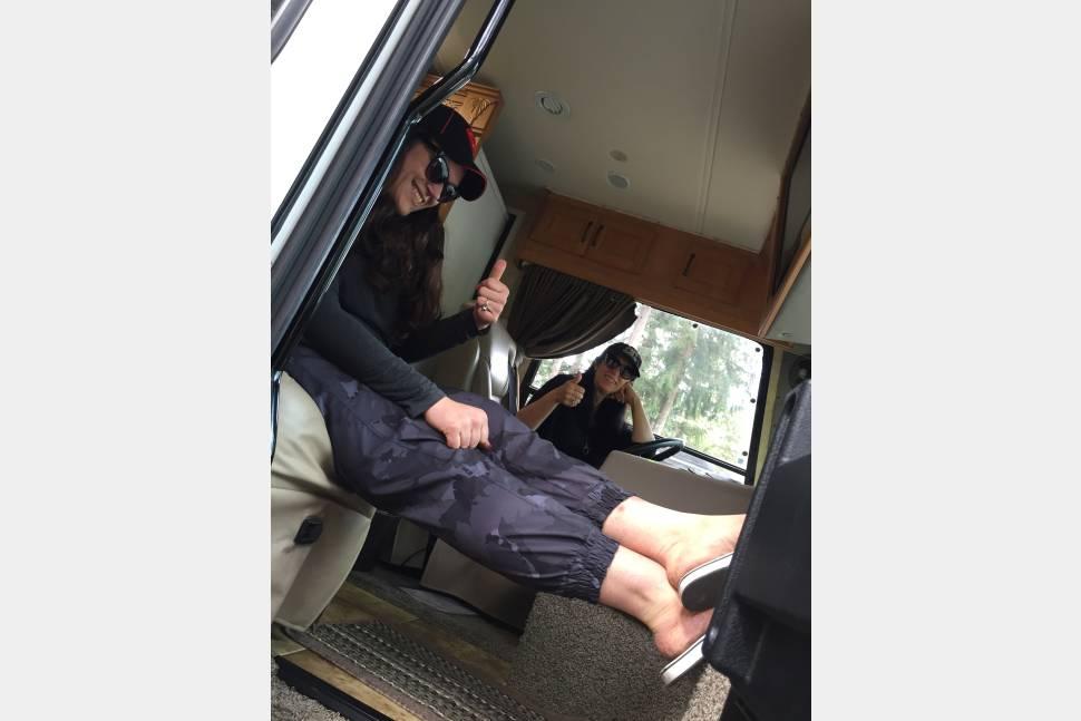 2009 Coachmen Crosscountry Sportscoach - Susan's