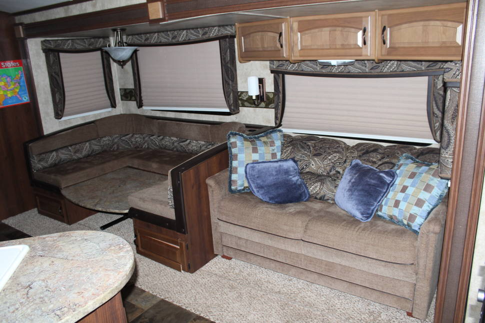 2012 Keystone Outback BUNKHOUSE Travel Trailer - S'mores Loving Bunkhouse Perfect for Families
