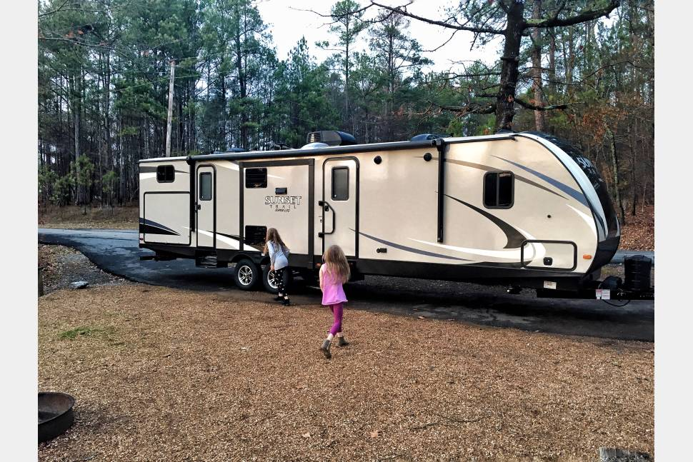 2017 Sunset Trail 331 Bunkhouse - Perfect Bunkhouse Trailer