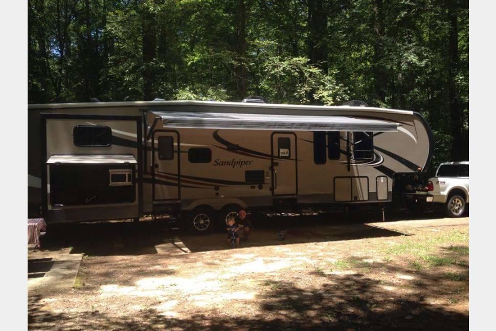 2015 Forest River Sandpiper 365SAQB - Jolly Good Times
