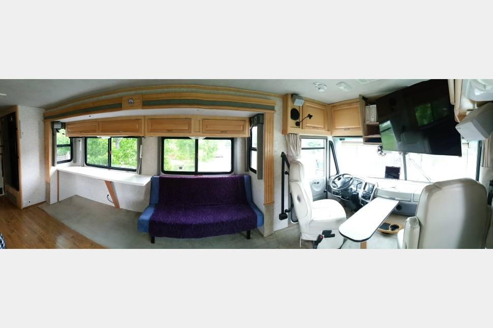2003 Fleetwood Southwind 36 Ft - Rent our nice low milage 2003 36 foot RV for your next trip!