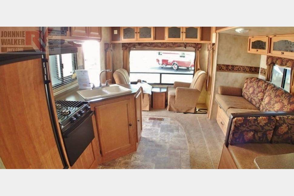 2011 Keystone Passport Ultra Lite Limited Edition - Limited Edition Travel Trailer**Sleeps Six!!!!