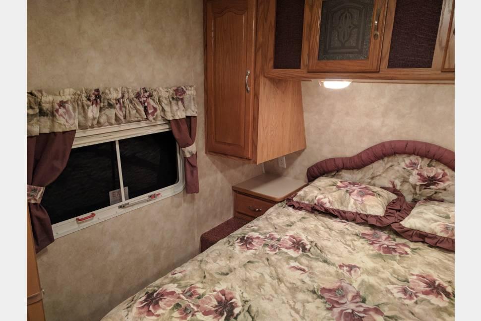 2005 Keystone Sprinter 314BHDS - Home Away from Home!