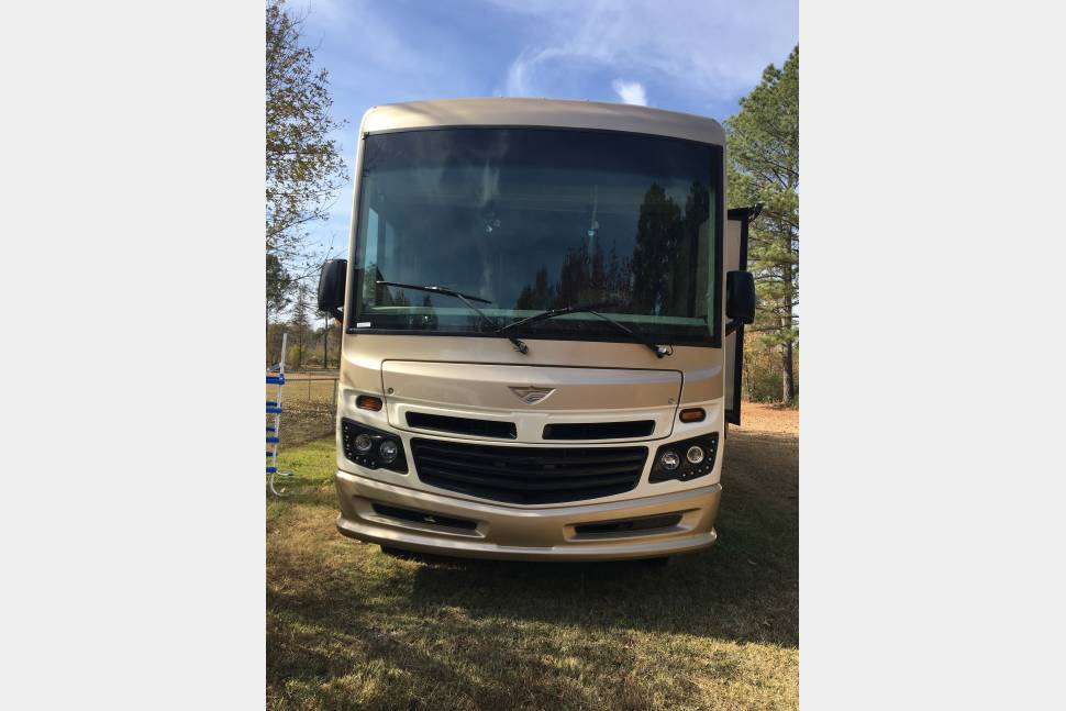 2016 Ford Fleetwood Bounder35K - Memories on the GO!