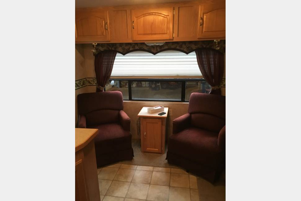 2004 Sportsman Travel Trailer - 2005 Sportsman travel trailer
