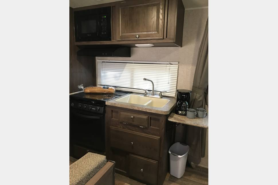 """2016 Flagstaff Microlite FLT23LB With Murphy Bed - """"Glamp"""" in style! More features and room with less weight & bulk"""