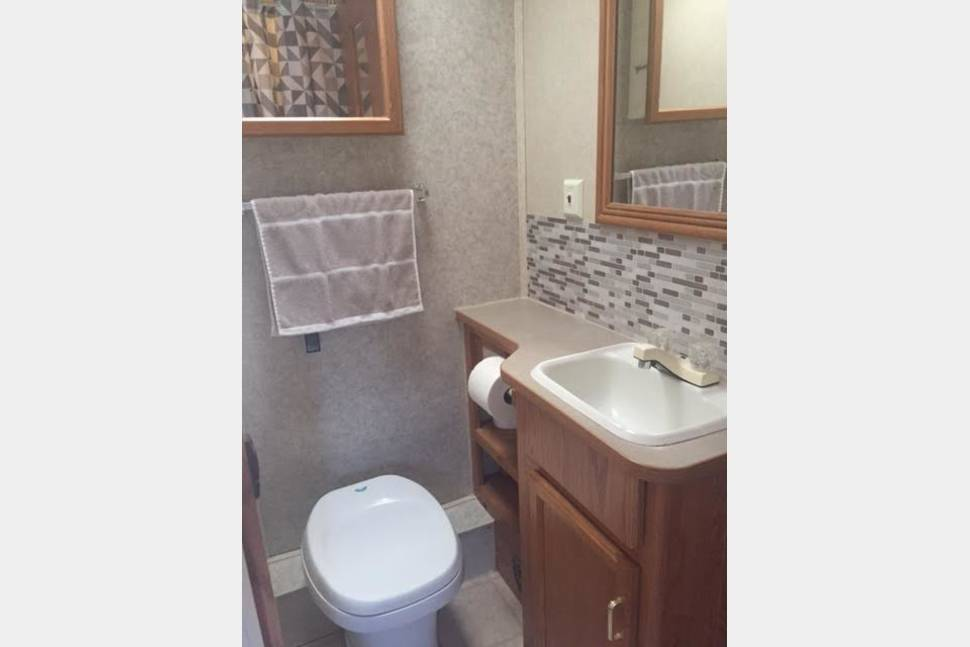 2003 Jayco Escapade Class C - Smoothest RV in Fort Worth
