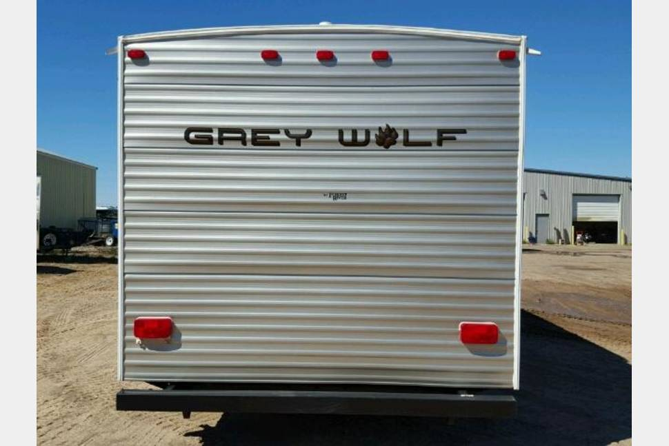 2012 Cherokee Forest Grey Wolf 28BH - Super Fun Camper!