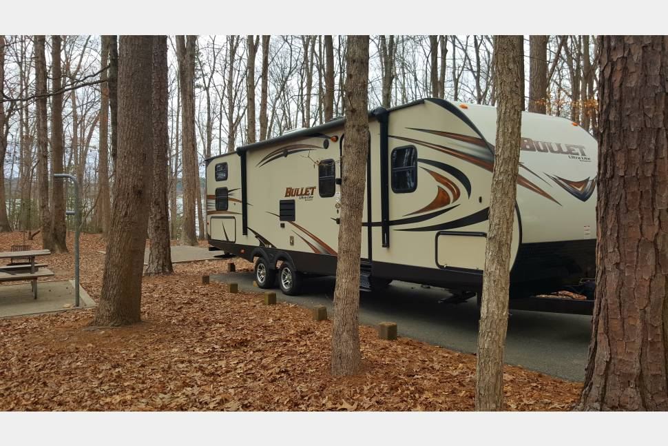 2015 Keystone Bullet 287 QBS - Book this Memory Maker camper for your next family vacation!