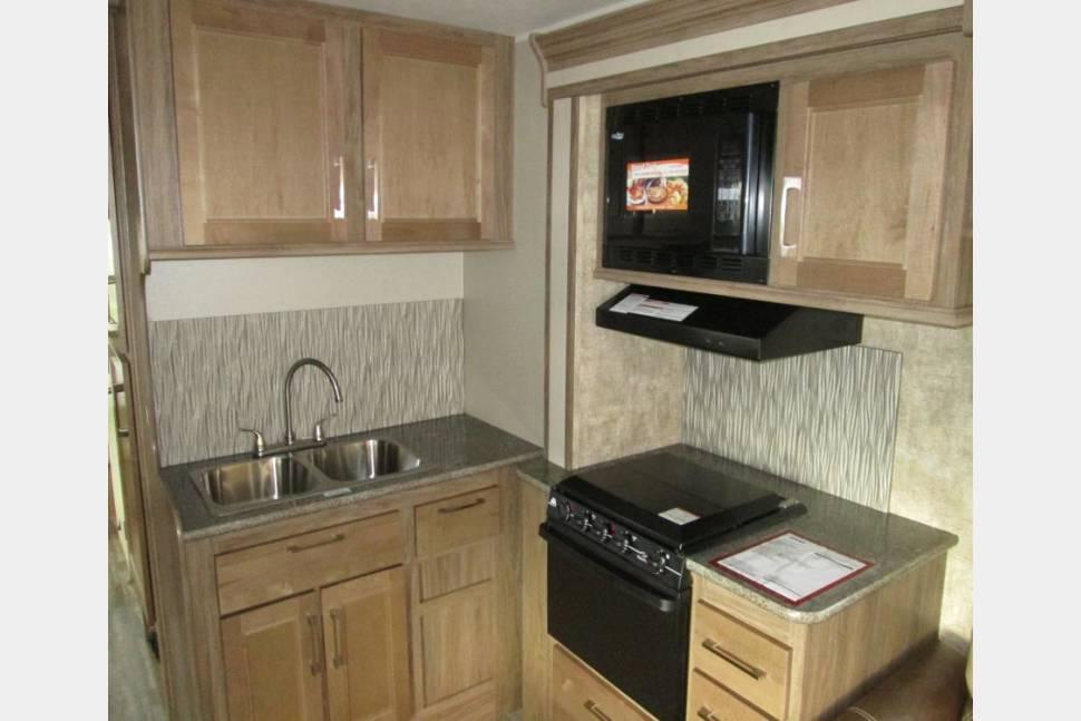 2018 Jayco Envoy 31L 100 Bunkhouse Class C #ABQRV - #ABQRV 2018 Jayco Envoy 31' Class C w/bunks 505 RV Rentals