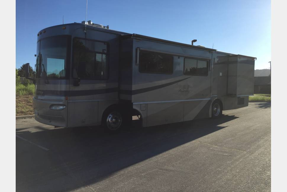 2004 Winnebago Journey - RV is perfect for camping in the mountains, enjoying the ocean scenery, or traveling across country trips!