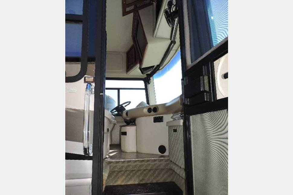 2006 Fleetwood Providence 39s - Check out our Pre Spring Break Special