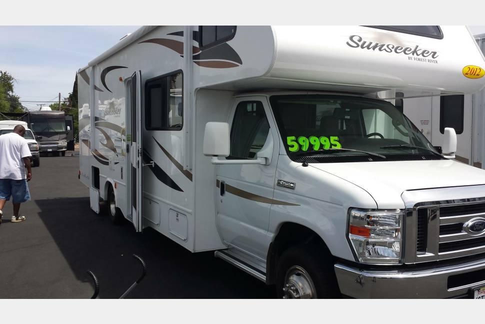 2012 Sun Seeker - Clark's Sun Seeker your home on wheels ready to see the world