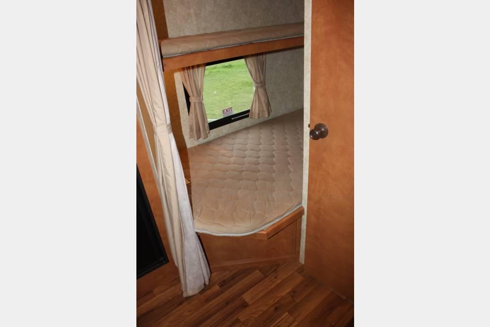 2013 Amerilite 259 - Super light travel trailer that sleeps 7 easily