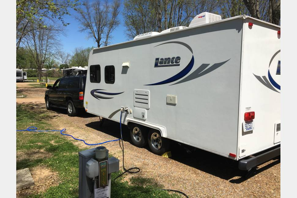 2009 Lance M1880 - 2009 Lance M1880 Travel Trailer