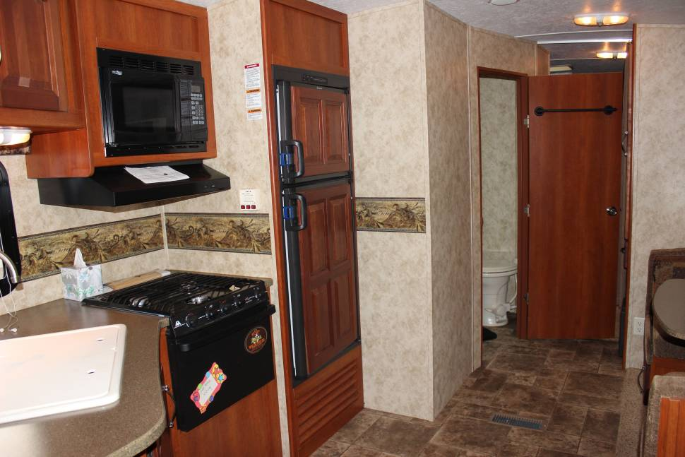 2012 Keystone Cougar 31SQB - Room for the kids!