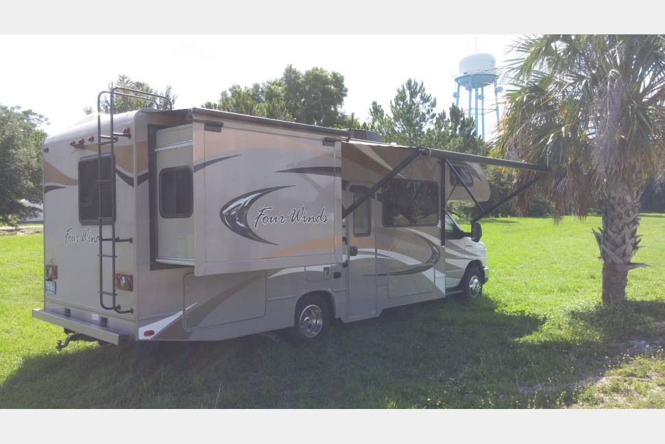 2014 14 FOUR WINDS 26A MMH Luxury Resort - Family vacation on wheels