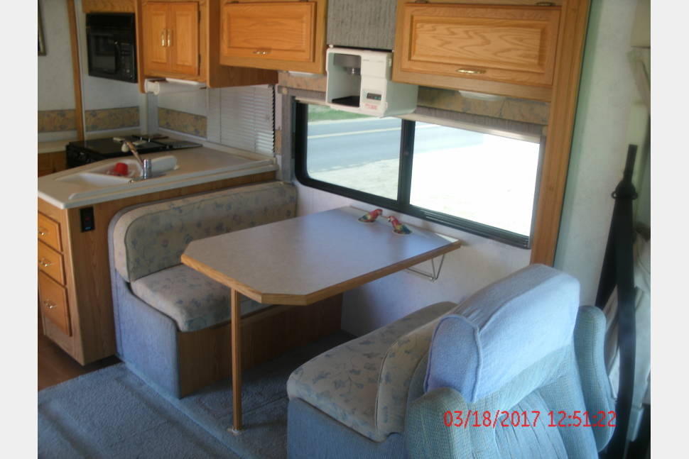 2003 Winnebago Brave - 30' Class A Winnebago Brave with incredible amenities a large slideout and many extras.