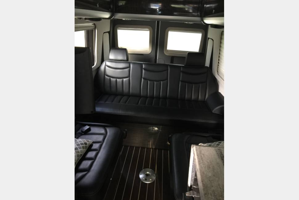 2014 Airstream Interstate 3500 EXT Diesel - 2014 Airstream Interstate 3500 EXT; Seating for up to 9 people, sleeps 2.