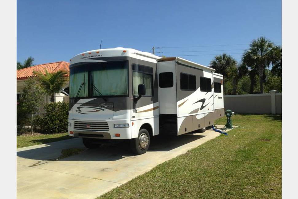 2007 Winnebago Sightseer - Our RV has been coast to coast and has helped us form incredible memories. National Parks have been a favorite places to visit, although as long as we are on the open road it is a good day. You'll love traveling in this RV.