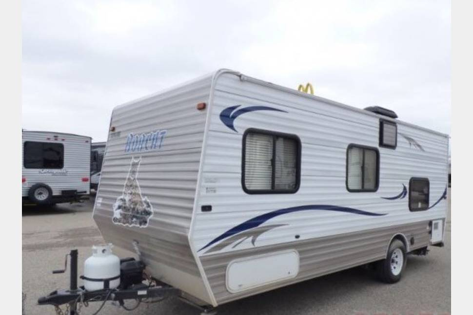 2013 Skyline Bobcat - Perfect for two or a small family