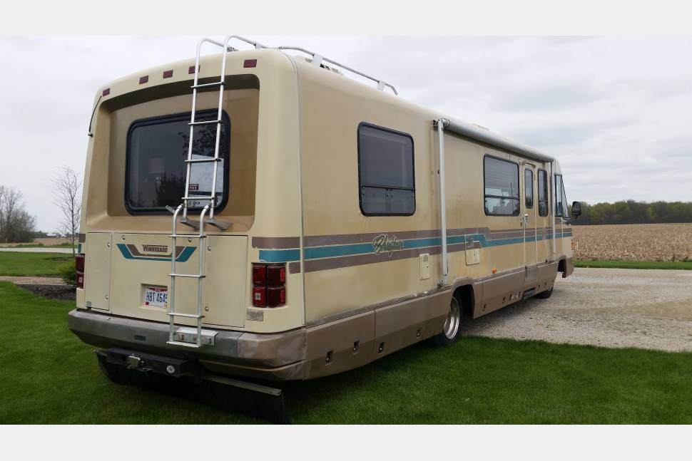 1989 Winnebago Cheftain - The Great Mobile Escape