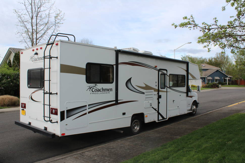 2014 Coachman Freelander - Great Family RV! Easy to drive fully furnised