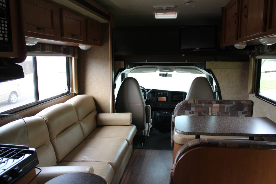 2014 Coachman Freelander - Great Family RV! Easy to drive fully furnised in Medford.