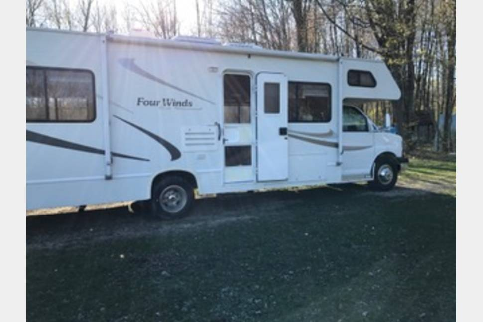 2005 Chevy Four Winds - Ultimate Family Vacation RV!