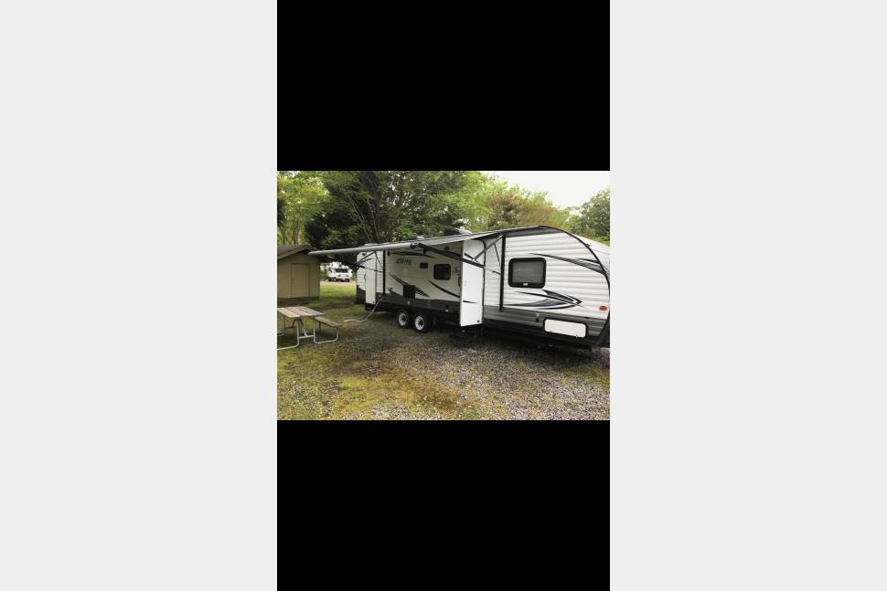 2017 Forest River Salem Cruise Lite - Brand new RV for rent, take her where your heart desires! has two full size bunks, sleeper sofa,and  private master in back!