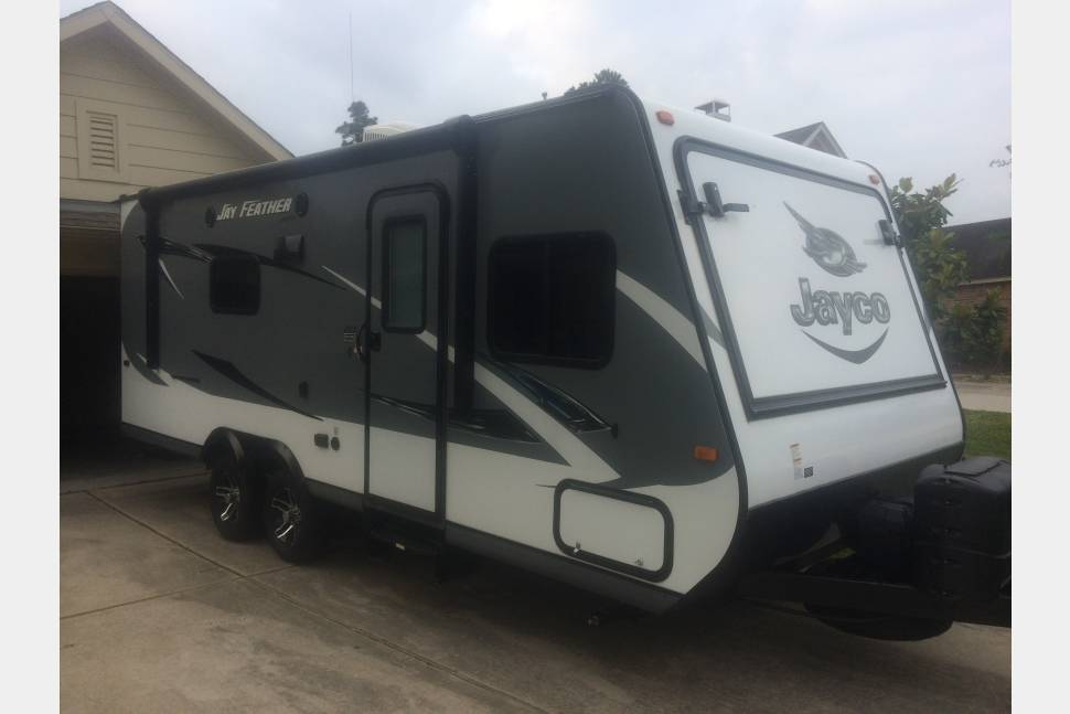 2016 Jayco Jay Feather X23B Feather X23B - 2016 Jayco Jay Feather 25 ft. Travel Trailer. This is a light unit (4,200) and easily hauled.