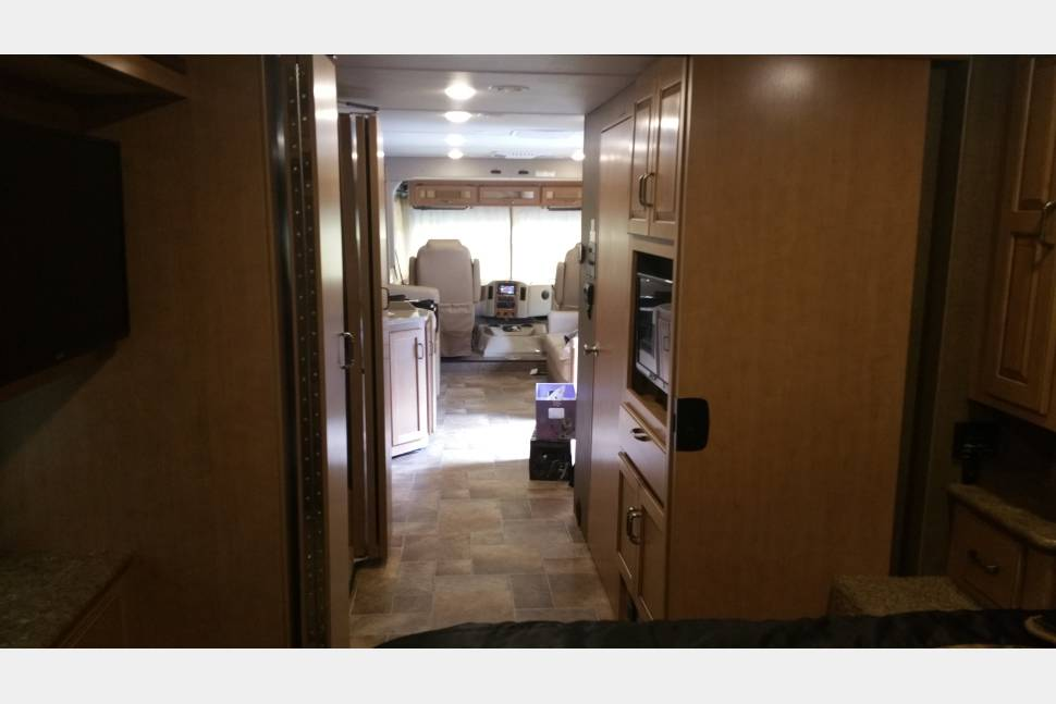 2016 Hurricane 34J - Make your own ArchieBus Adventures