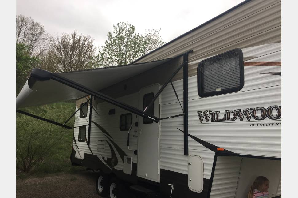 2016 Forest River Bunkhouse 5th Wheel - This Spacious Forest River is waiting!