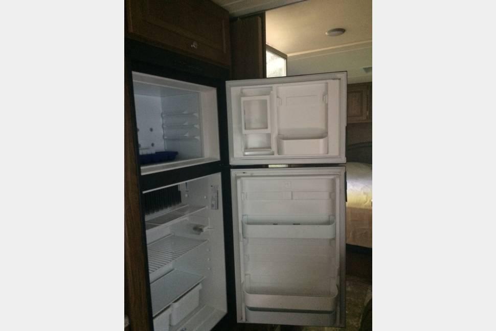 2015 Coachman Leprechaun 319DS - A family Home away from Home