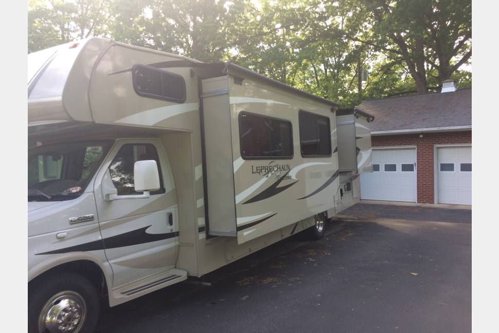 2015 Coachman Leprechaun 319DS - A family Home away from Home