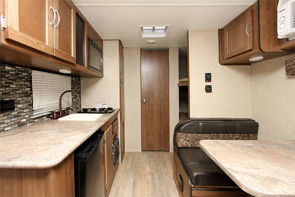 2018 Gulfstream Conquest 198BH Lite - Sleeps 4 and only weighs 2800 lbs-Can be Pulled w/Mini Van
